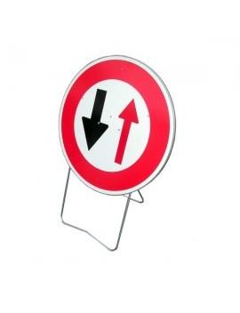 """Panneau avec support BK 15 """"Cédez le passage à la circulation ..."""""""